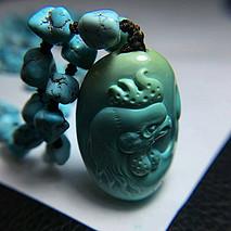 原矿高瓷随形绿松石项链+雕刻件鸡 雕件尺寸21.2-29.6-15mm 11.95克 链子尺寸5.2 总重32.2克