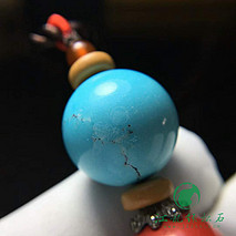 民族风绿松石项链 松石原矿高瓷蓝料 搭配朱砂椰蒂配饰 手工编织 松石直径18.2mm 净重8.3克